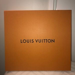 Authentic Louis Vuitton 'Neverfull MM' box